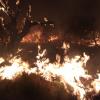 Dotaciones de bomberos del Valle de Calamuchita colaboran en un incendio en la zona de Traslasierra